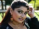 Item Girl Babilona To Join Congress