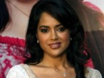 Sameera Reddy Hospitalized Aid