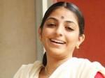 Mythili To Lead In Chattakkari Remake Aid