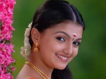 Saranya Mohan Is Not Ready For Glamour Roles Aid
