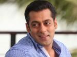 Salman Khan In Oru Marubhoomi Kadha Aid