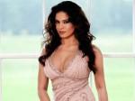 Veena Malik Doing Role Silk Smitha