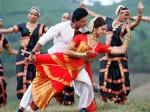 Shahrukh Chennai Express Fever Grips Bangalore