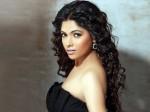 Actress Mukthas New Look