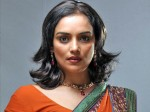 Swetha Menon Doing Again Glamour Role Dhanayathra