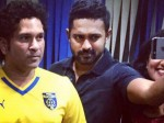 Actor Asif Ali Took Selfie With Sachin