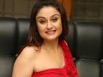 Sonia Agarwal Jamnapari Item Dance