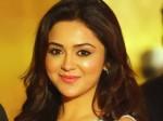Peruchazhi Actress Ragini Back Mollywood