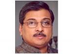 Canedian Writer Merrilyweisbord Againt Director Kamal