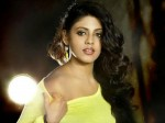 Iniya Will Act In Horror Film