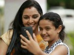 Manju Warrier S Photo From The Sets Mohanlal Goes Viral