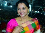 Manju Warrier Going To Abroad For Jewellery Inauguration
