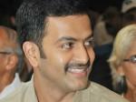 Prithviraj Apologized Public Late Coming