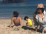 Gauri Khan Sunbathes With Suhana Abram At The Malibu Beach