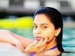 Shahrukh Khan S Daughter Suhana S Pool Pic Goes Viral