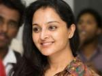 Manju Warrier Shakes Her Legs Once Again The Song Kannadi Koodum Kootti