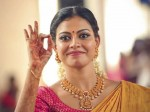 Actress Anusree Is An Autorickshaw Driver Sujith Vaassudev S Next Film