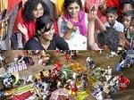 Rima Kallingal Parvathy Remya Nambeeshan Visit Pathanamtitta Relief Camp