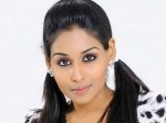 Shooting Actress Leena Paul Beauty Parlor Kochi