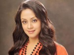 Jyothika Denied To Work With S J Suryah Said News Heres How S J Suryah Reacted