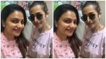 Rimi Tomy S Selfi With Malaika Arora