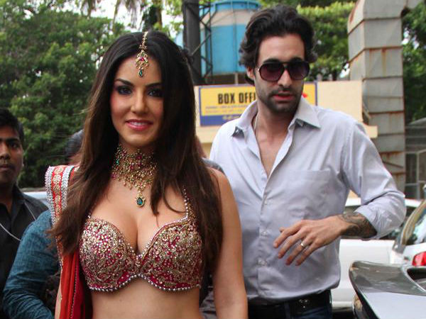 sunny-leone-to-file-a-complaint-against-a-well-known-filmmaker
