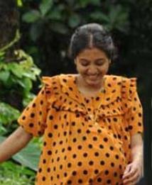 http://malayalam.filmibeat.com/img/2009/07/15-gopika.jpg
