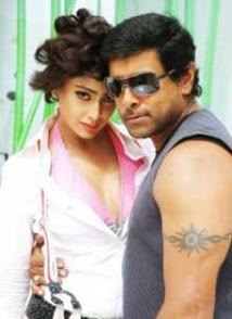 https://malayalam.filmibeat.com/img/2009/08/17-kanthaswamy-1-2.jpg