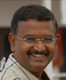 https://malayalam.filmibeat.com/img/2009/08/18-blessey.jpg