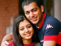 http://malayalam.filmibeat.com/img/2010/04/15-gopika-aji.jpg