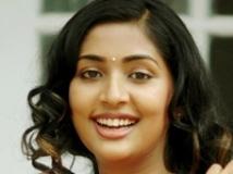 https://malayalam.filmibeat.com/img/2010/06/19-navya-nair.jpg