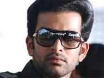 https://malayalam.filmibeat.com/img/2010/06/29-prithvi-200.jpg