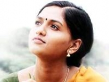 https://malayalam.filmibeat.com/img/2010/07/16-sunaina-vamsam.jpg