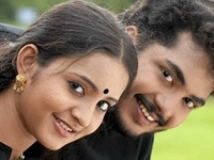 https://malayalam.filmibeat.com/img/2010/08/15-nivedyam.jpg