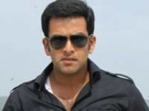 https://malayalam.filmibeat.com/img/2010/11/30-prithviraj-thriller.jpg
