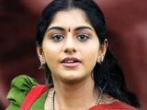https://malayalam.filmibeat.com/img/2010/12/03-meera-nandhan.jpg