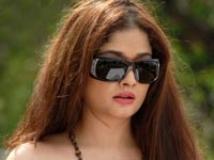 http://malayalam.filmibeat.com/img/2011/04/28-kiran-rathod.jpg