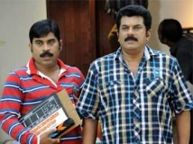 https://malayalam.filmibeat.com/img/2011/07/07-pachuvum-govalanum.jpg