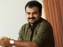 http://malayalam.filmibeat.com/img/2011/10/08-kunchako-boban1.jpg