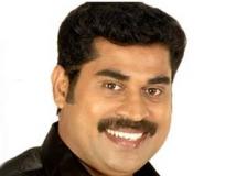 http://malayalam.filmibeat.com/img/2011/10/27-suraj-venjaramoodu.jpg