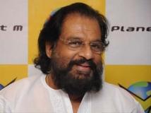 https://malayalam.filmibeat.com/img/2012/08/29-yesudas2.jpg