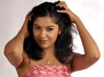 https://malayalam.filmibeat.com/img/2012/08/30-archana-kavi4.jpg