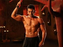 http://malayalam.filmibeat.com/img/2012/10/13-prithviraj-aiyya1.jpg