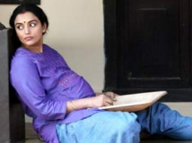 https://malayalam.filmibeat.com/img/2012/12/17-swetha-menon9.jpg