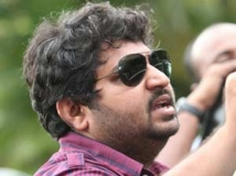 http://malayalam.filmibeat.com/img/2013/04/19-lijo-jose-pellissery.jpg