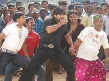 https://malayalam.filmibeat.com/img/2013/09/07-gunda-600.jpg