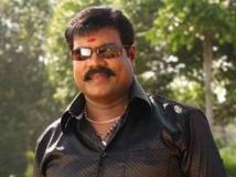 https://malayalam.filmibeat.com/img/2013/09/18-kalabhavan-mani.jpg