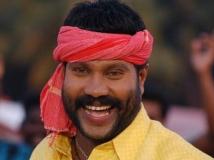 https://malayalam.filmibeat.com/img/2013/10/18-kalabhavan-mani.jpg