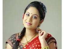 http://malayalam.filmibeat.com/img/2013/11/15-jyothi-krishna.jpg
