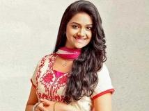 https://malayalam.filmibeat.com/img/2013/11/16-keerthi-menaka-601.jpg